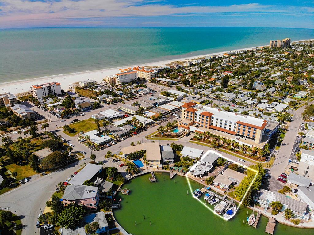 657 BAY ESPLANADE Property Photo - CLEARWATER, FL real estate listing