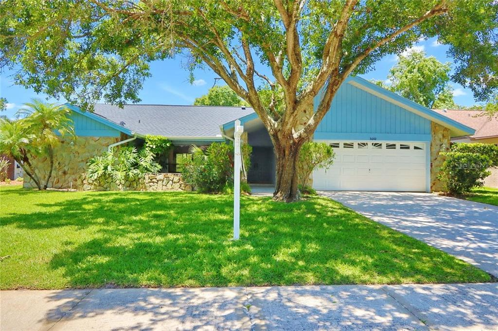 3642 HOLLOW TRAIL COURT Property Photo - PALM HARBOR, FL real estate listing