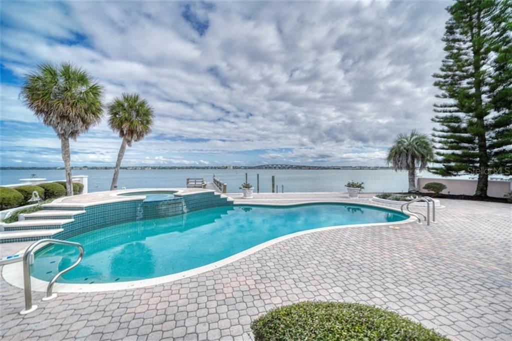 117 16TH ST Property Photo - BELLEAIR BEACH, FL real estate listing