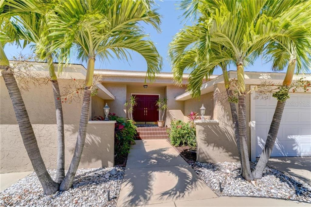 2504 HIBISCUS DR W Property Photo - BELLEAIR BEACH, FL real estate listing