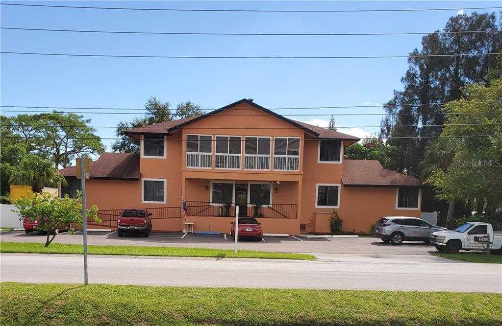 10787 OAK STREET NE Property Photo - ST PETERSBURG, FL real estate listing