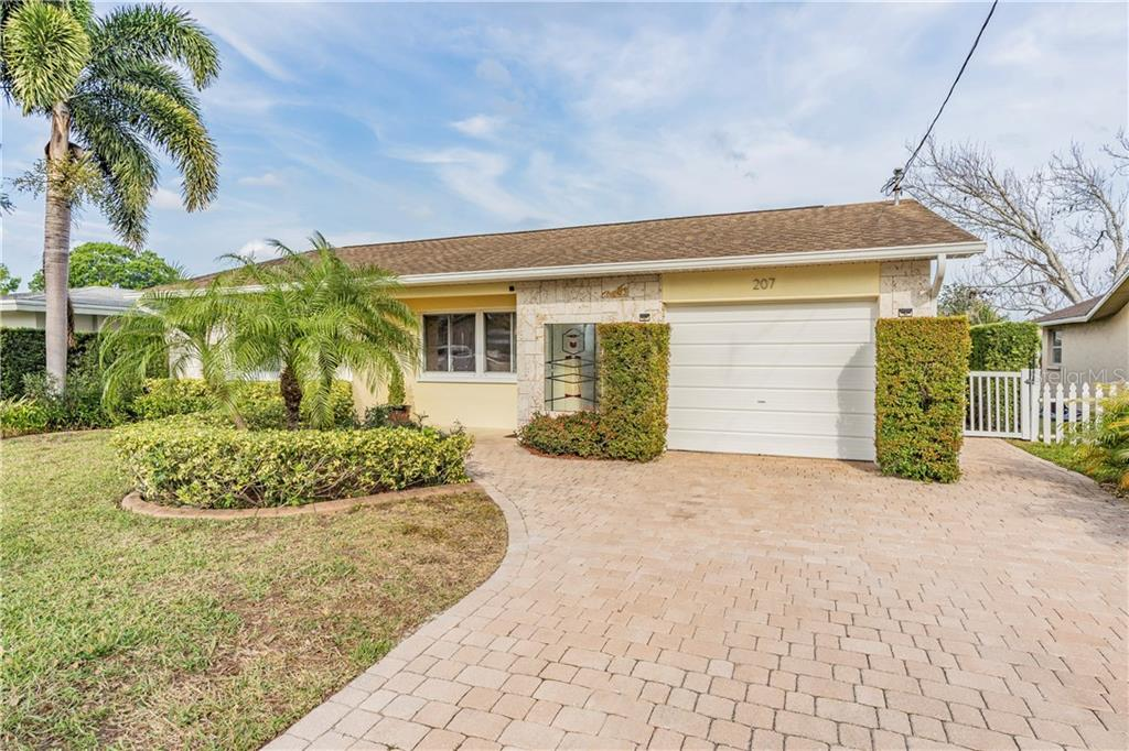 207 W CANAL DRIVE Property Photo - PALM HARBOR, FL real estate listing