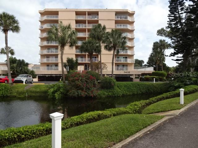 7432 Sunshine Skyway Lane S #305 Property Photo