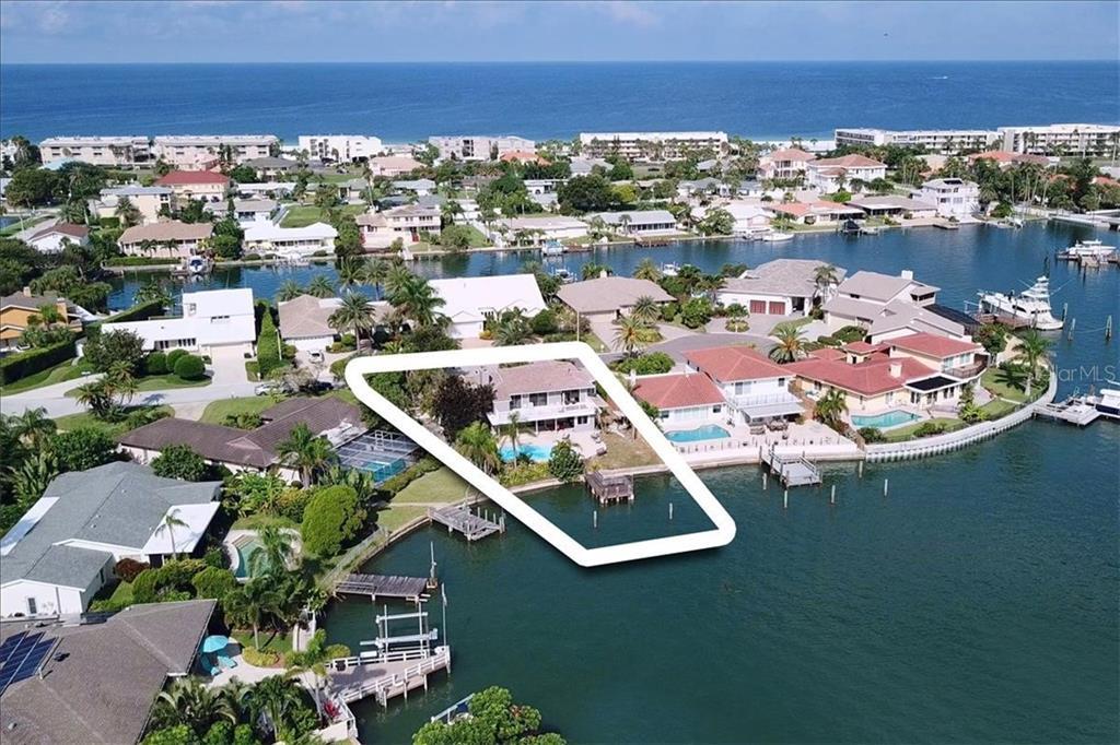 3105 WEDGEWOOD DR Property Photo - BELLEAIR BEACH, FL real estate listing