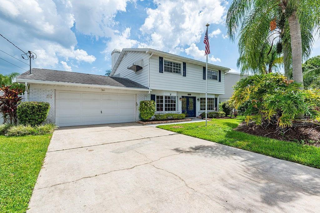 8706 ELMWOOD LANE Property Photo - TAMPA, FL real estate listing