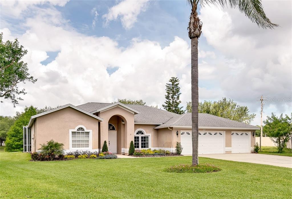 11517 GLENMONT DRIVE Property Photo - TAMPA, FL real estate listing