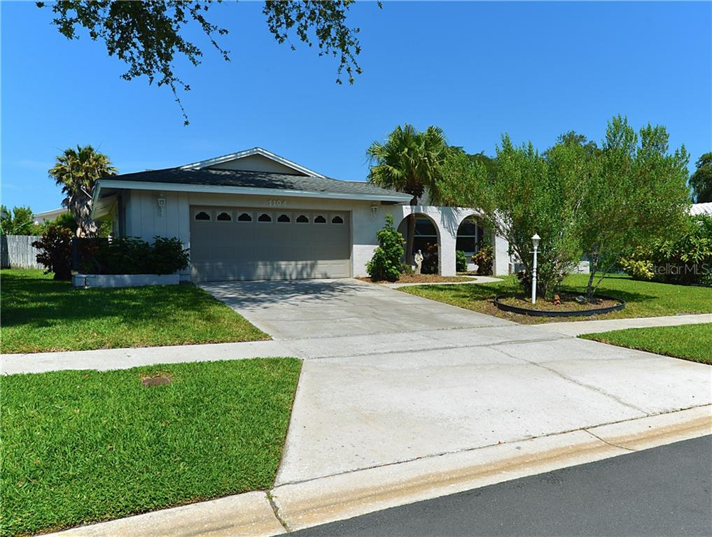 1104 ALAMEDA AVENUE Property Photo - CLEARWATER, FL real estate listing