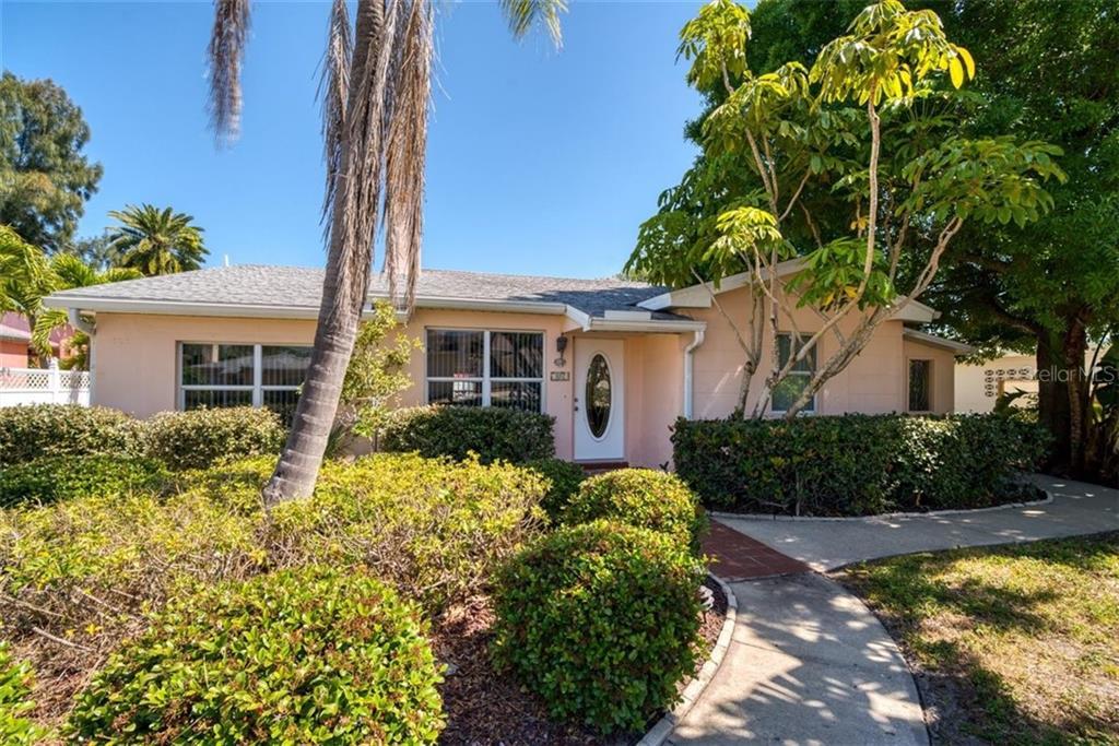 107 4TH STREET Property Photo - BELLEAIR BEACH, FL real estate listing