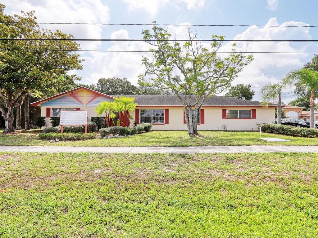 1961 E LAKE ROAD Property Photo - PALM HARBOR, FL real estate listing