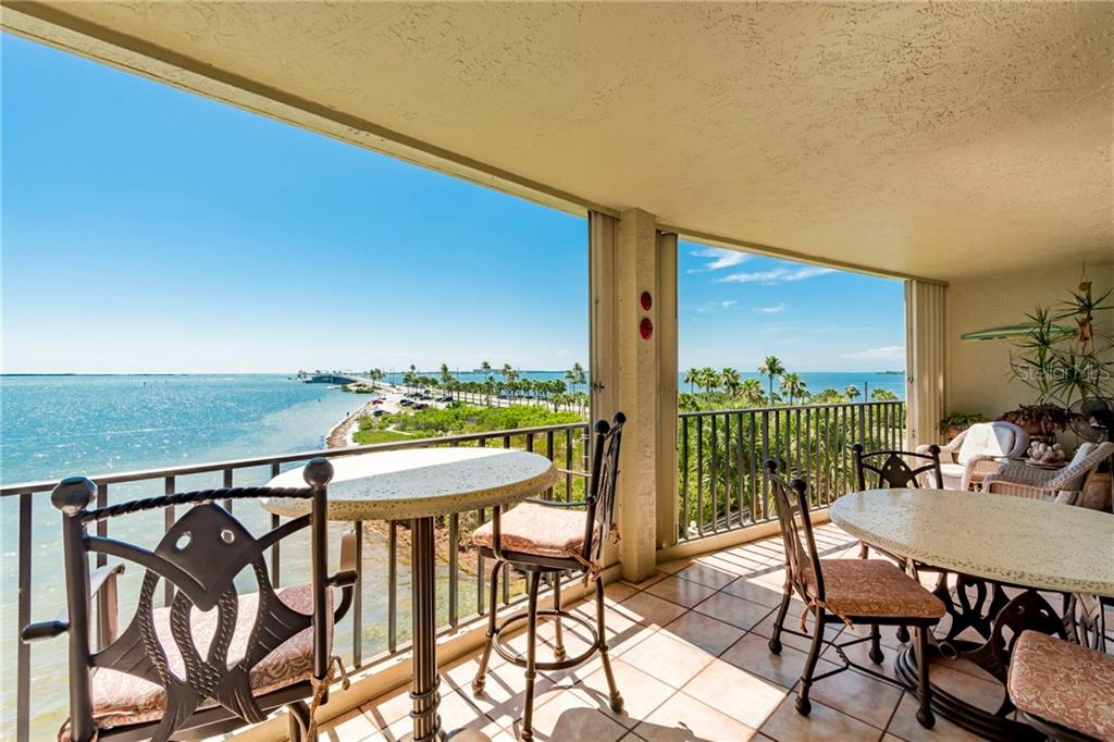 2598 GARY CIR #302 Property Photo - DUNEDIN, FL real estate listing