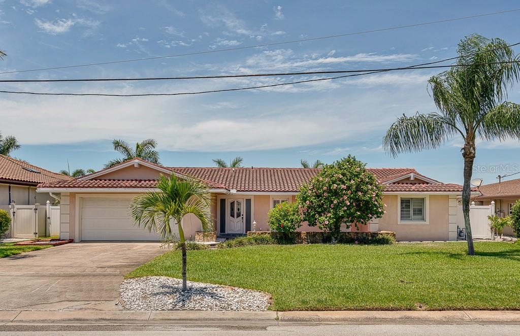 205 HOWARD DRIVE Property Photo - BELLEAIR BEACH, FL real estate listing