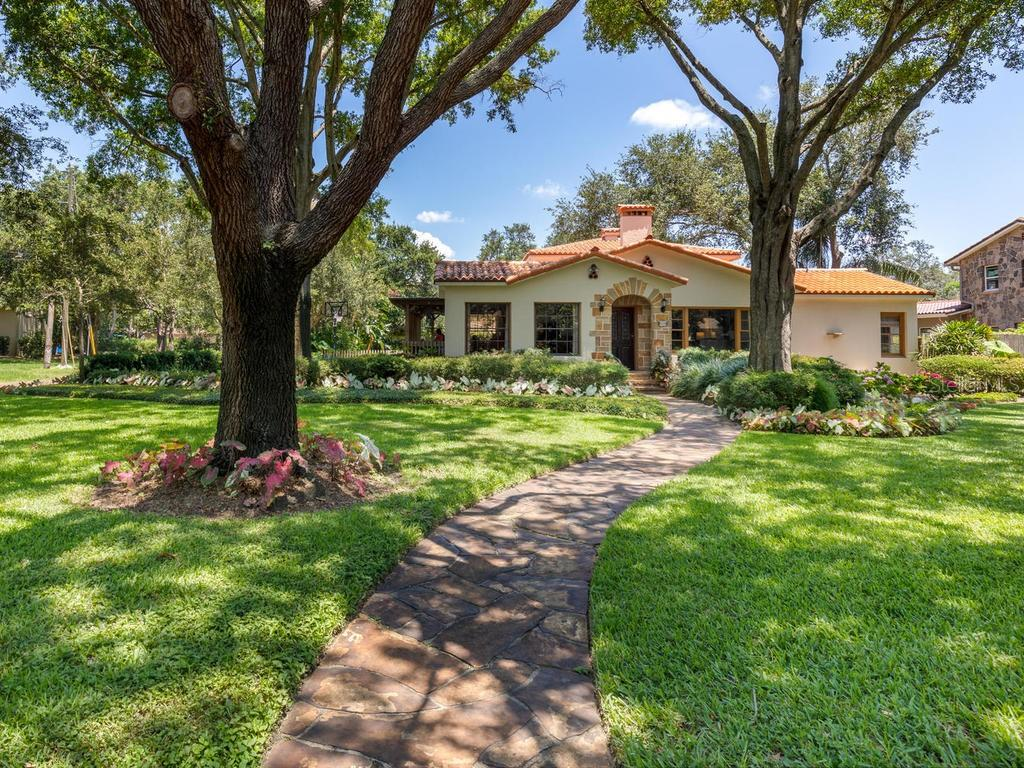 1045 39TH AVE N Property Photo - ST PETERSBURG, FL real estate listing