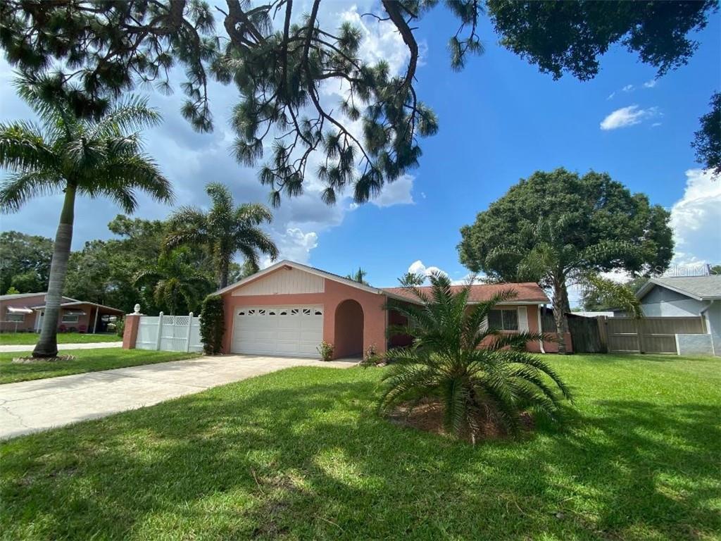 2347 39TH AVENUE N Property Photo - ST PETERSBURG, FL real estate listing