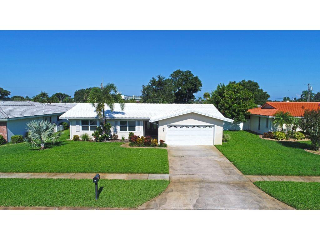 10338 IMPERIAL POINT DR E Property Photo - LARGO, FL real estate listing