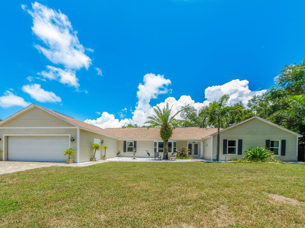 750 OAKRIDGE LN Property Photo - BELLEAIR BLUFFS, FL real estate listing