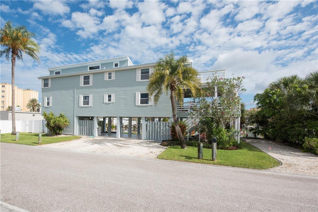 140 174TH TERRACE DR E Property Photo - REDINGTON SHORES, FL real estate listing