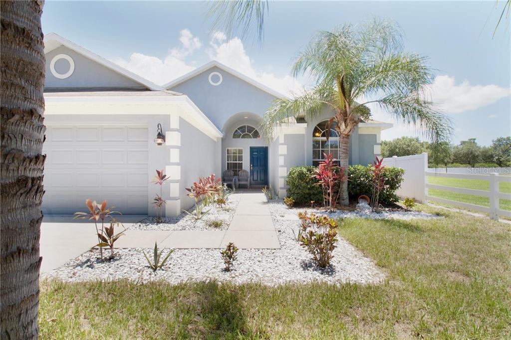 2341 ROANOKE SPRINGS DR Property Photo - RUSKIN, FL real estate listing