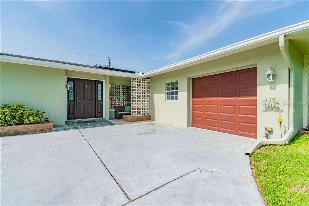 14012 STARBOARD DR Property Photo - SEMINOLE, FL real estate listing