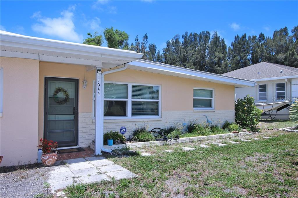 11644 CURRIE LN Property Photo - LARGO, FL real estate listing
