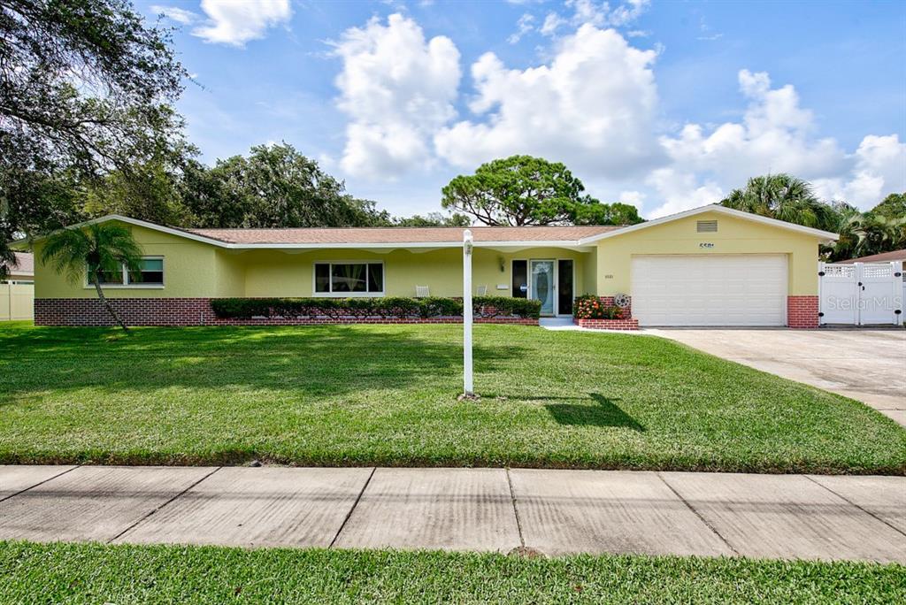 5581 80TH PL N Property Photo - PINELLAS PARK, FL real estate listing