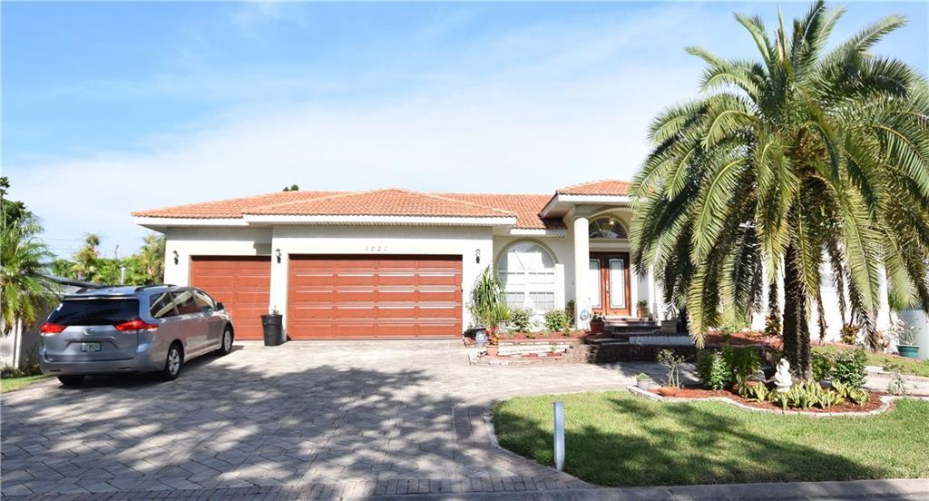 1021 PALM DR Property Photo - BELLEAIR BEACH, FL real estate listing