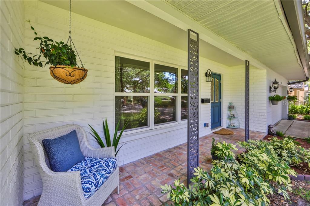 8226 33RD AVENUE N Property Photo - ST PETERSBURG, FL real estate listing