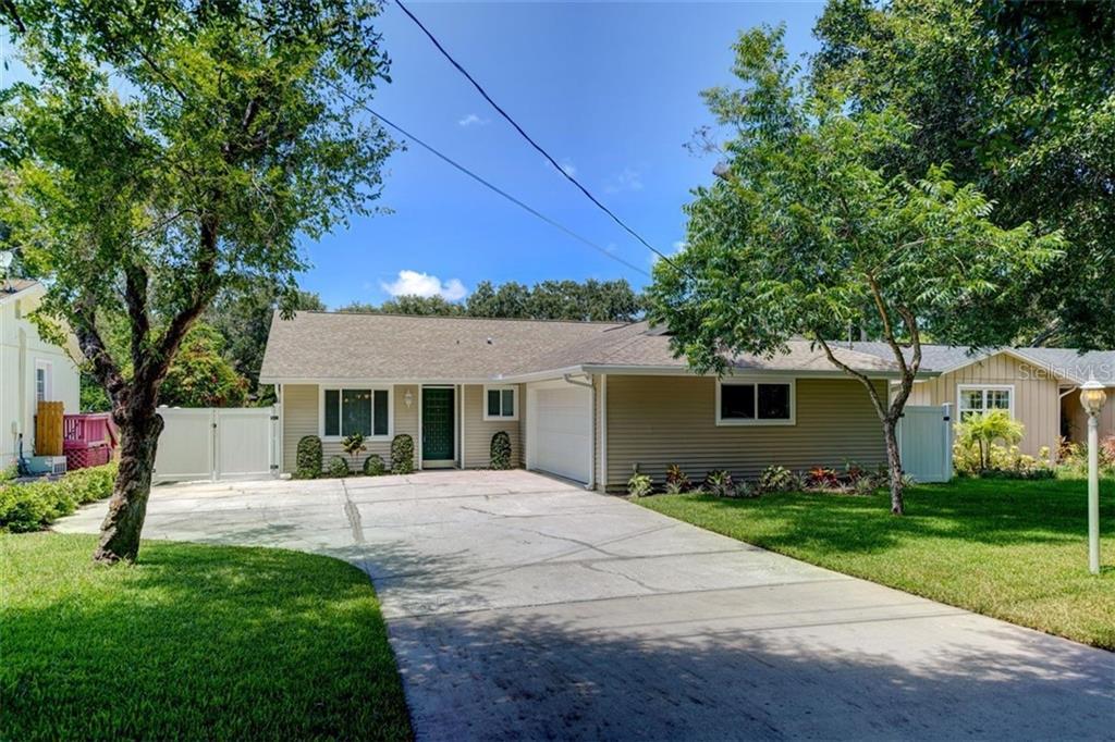 2366 Pembrook Dr Property Photo