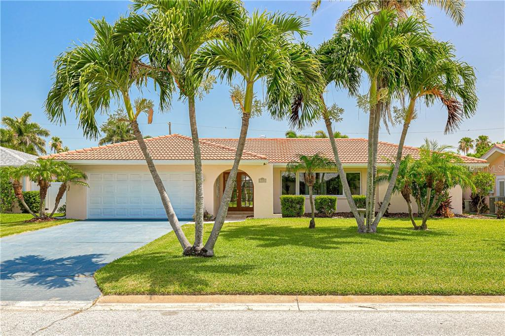 113 15TH ST Property Photo - BELLEAIR BEACH, FL real estate listing