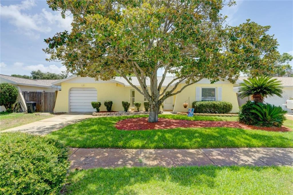 8715 ORANGE BLOSSOM DRIVE Property Photo - SEMINOLE, FL real estate listing