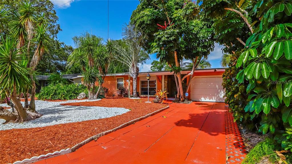 4341 Pompano Dr Se Property Photo