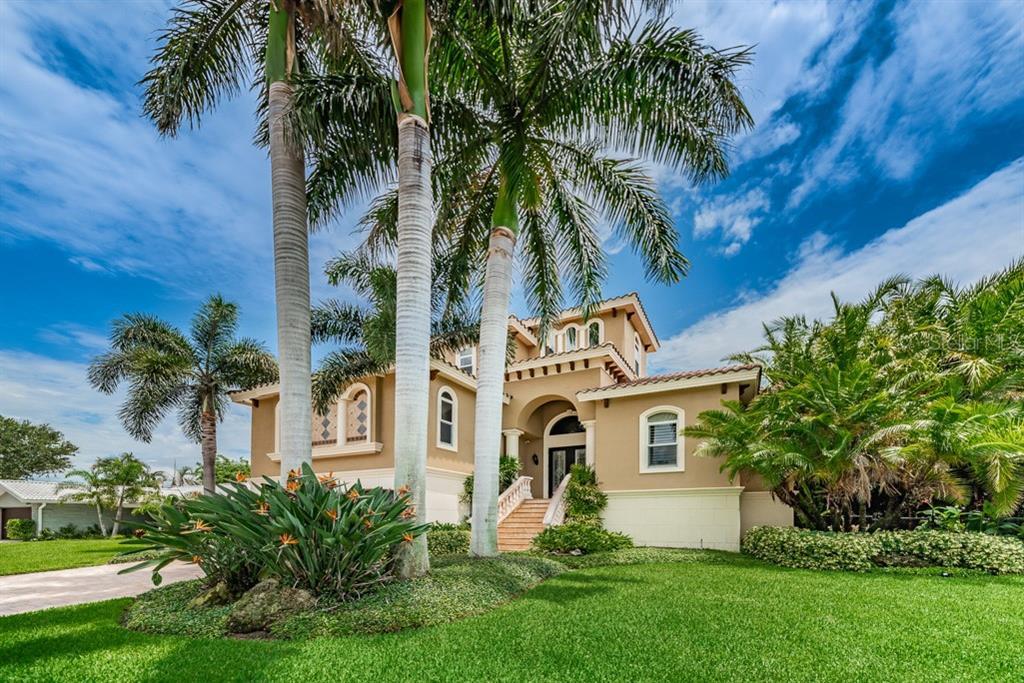 2000 MASSACHUSETTS AVE NE Property Photo - ST PETERSBURG, FL real estate listing