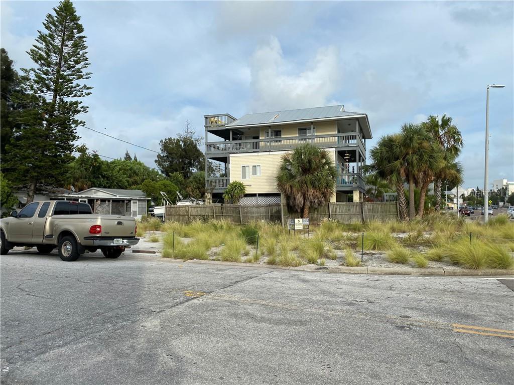 12417 Gulf Blvd Property Photo