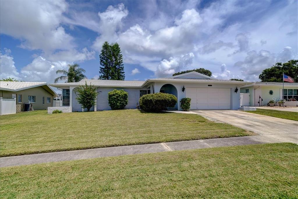14403 NEPTUNE RD Property Photo - SEMINOLE, FL real estate listing