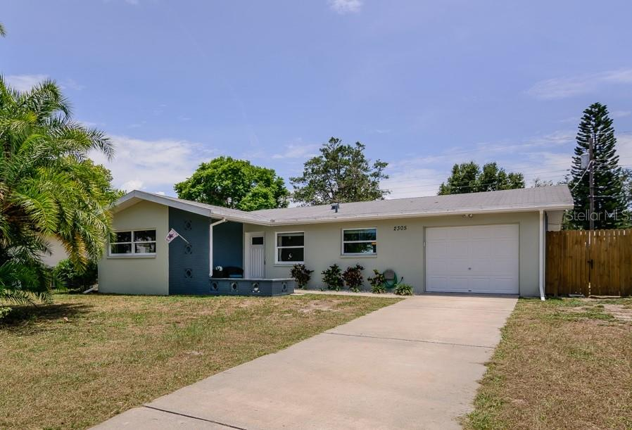 2305 CHAUCER ST Property Photo - CLEARWATER, FL real estate listing