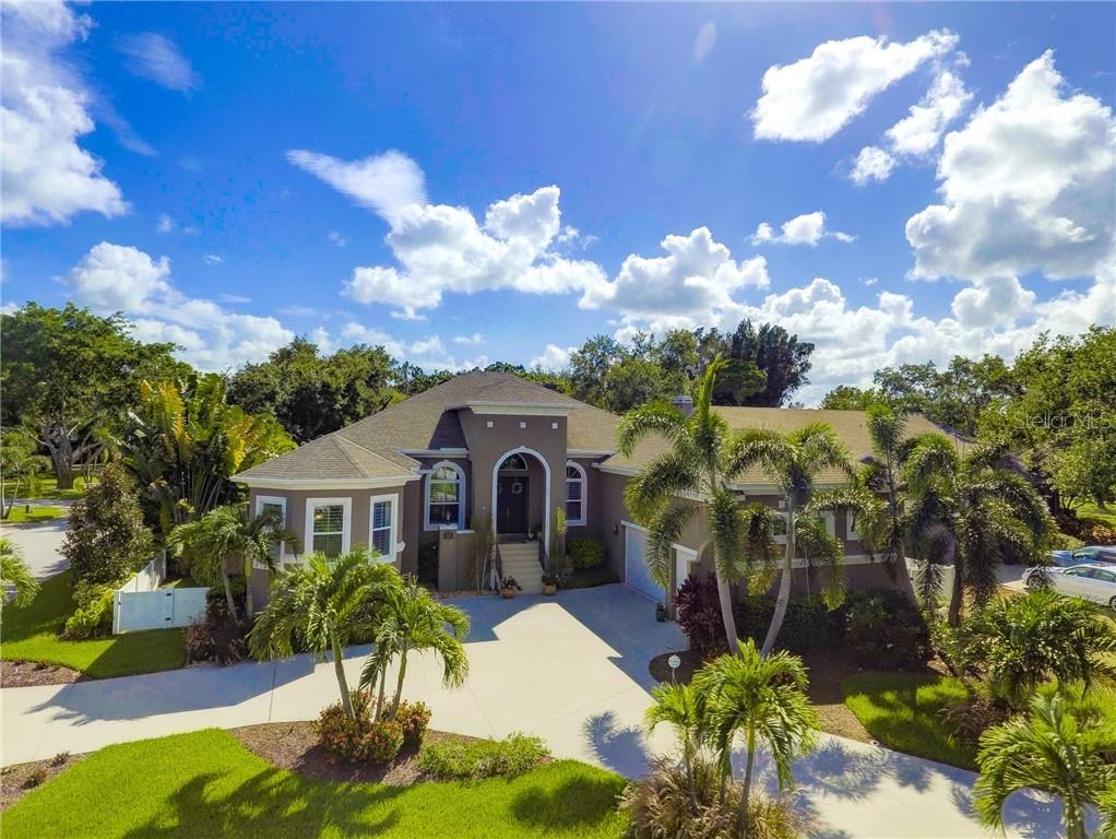 620 APALACHEE DRIVE NE Property Photo - ST PETERSBURG, FL real estate listing