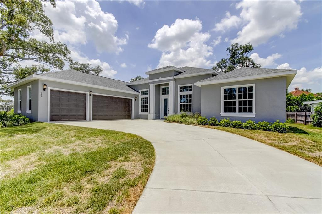 728 COUNTRY CLUB ROAD N Property Photo - ST PETERSBURG, FL real estate listing