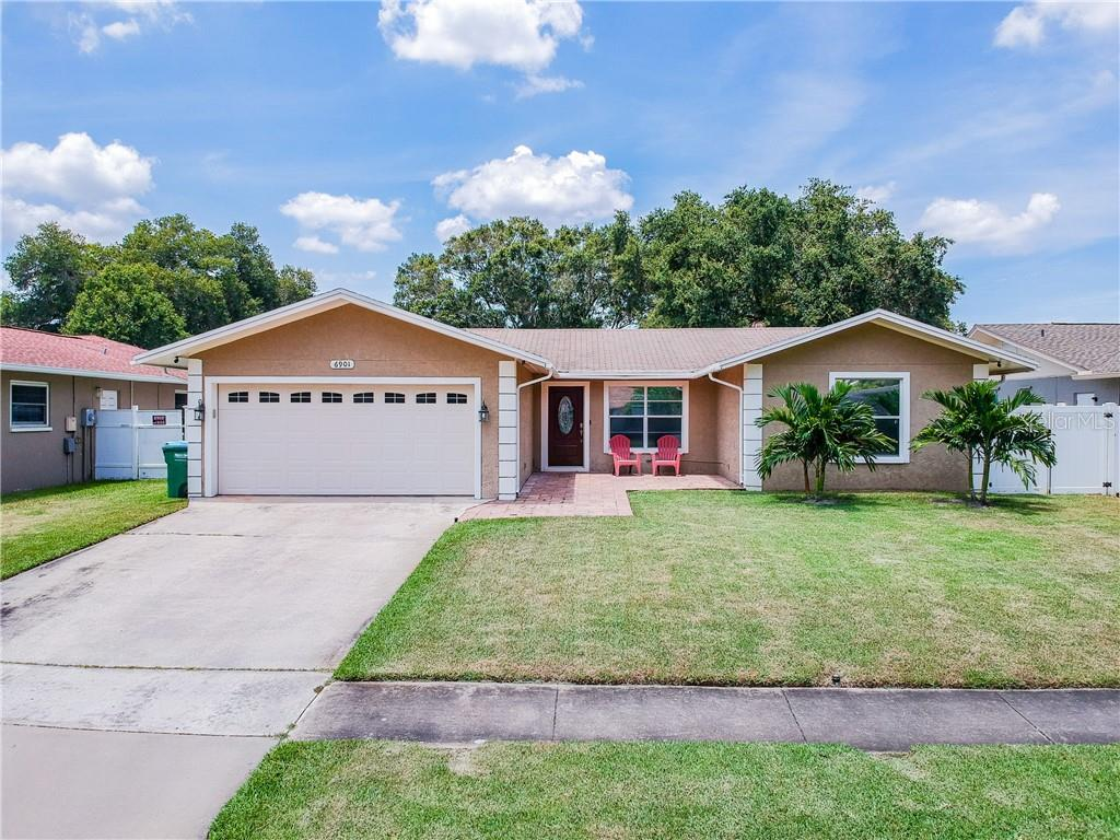6901 DUNNETT AVE N Property Photo - ST PETERSBURG, FL real estate listing
