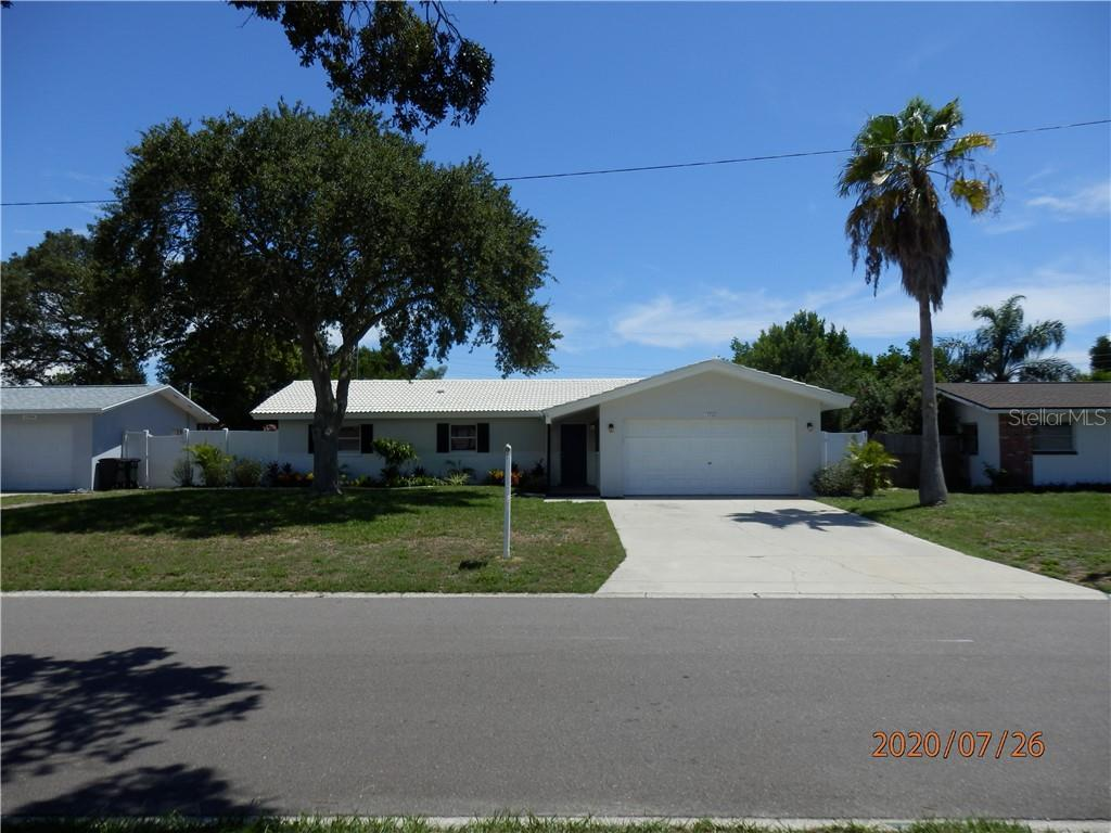 13766 MONTEGO DR Property Photo - SEMINOLE, FL real estate listing