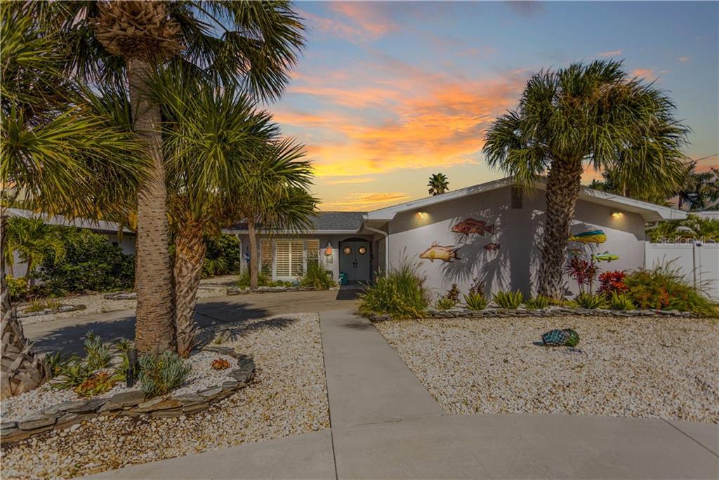 2504 BAYSHORE DR Property Photo - BELLEAIR BEACH, FL real estate listing
