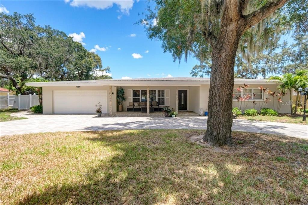 307 LIVE OAK LANE Property Photo - LARGO, FL real estate listing