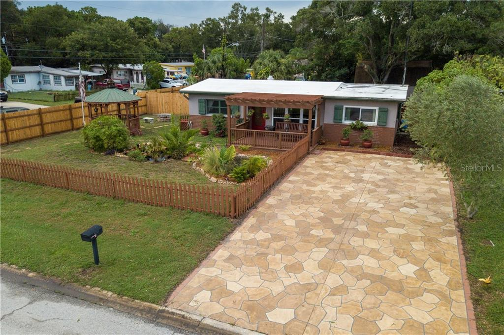 8997 90TH TERRACE Property Photo - LARGO, FL real estate listing