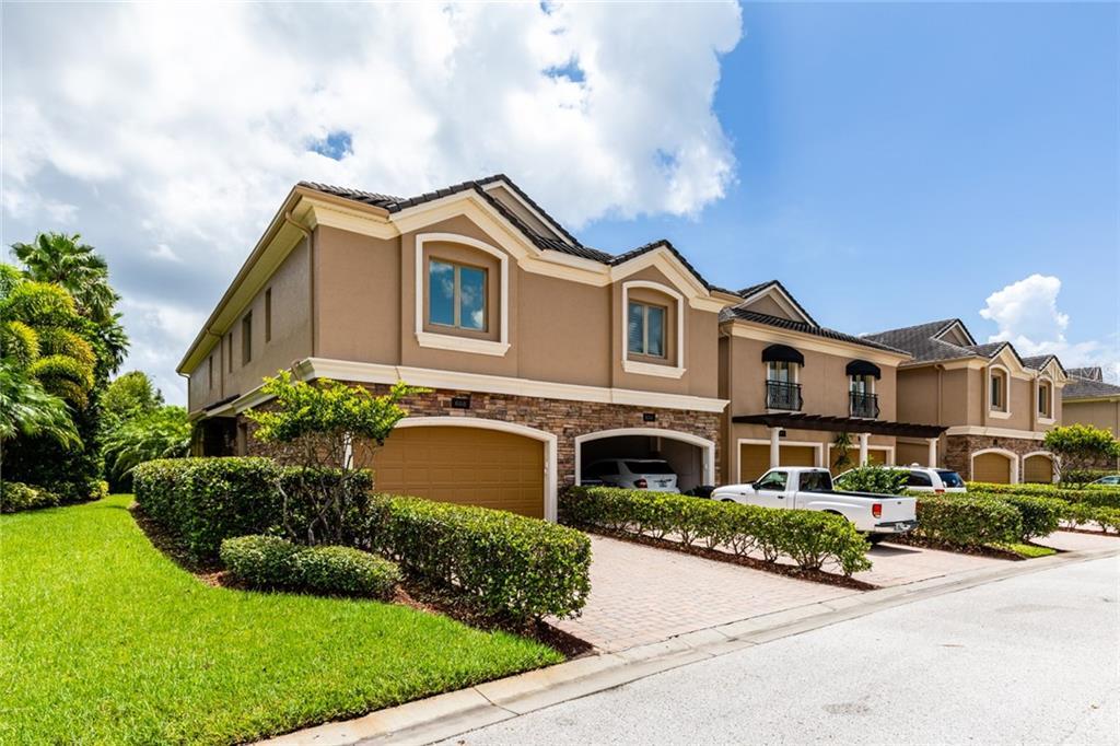 635 SAXONY BOULEVARD Property Photo - ST PETERSBURG, FL real estate listing