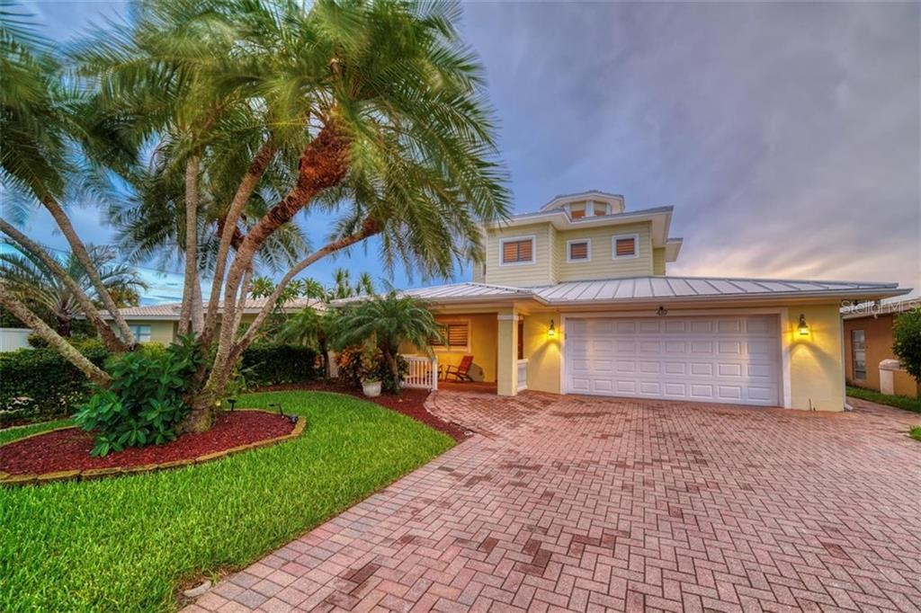 419 HARBOR DRIVE S Property Photo - INDIAN ROCKS BEACH, FL real estate listing