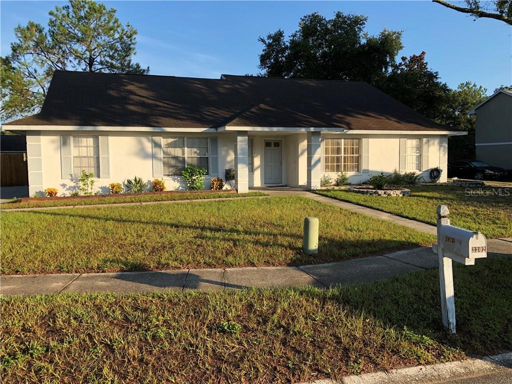 3302 FOX LAKE DRIVE Property Photo - TAMPA, FL real estate listing