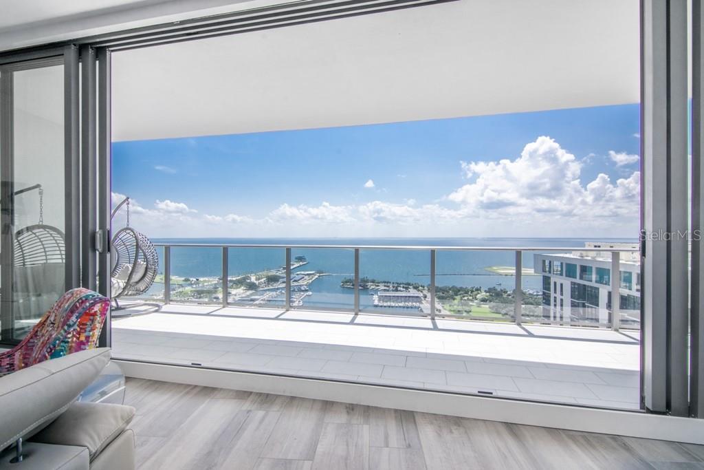 100 1ST AVE N #2901 Property Photo - ST PETERSBURG, FL real estate listing
