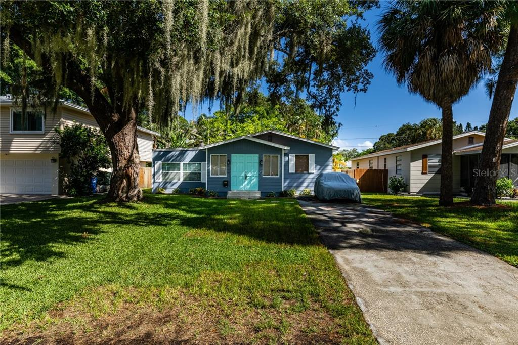 1743 MARYLAND AVE NE Property Photo - ST PETERSBURG, FL real estate listing