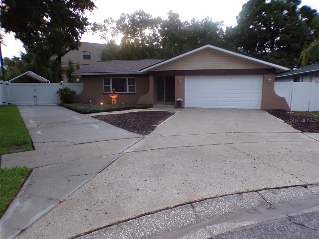 7767 HASTING CT N Property Photo - ST PETERSBURG, FL real estate listing