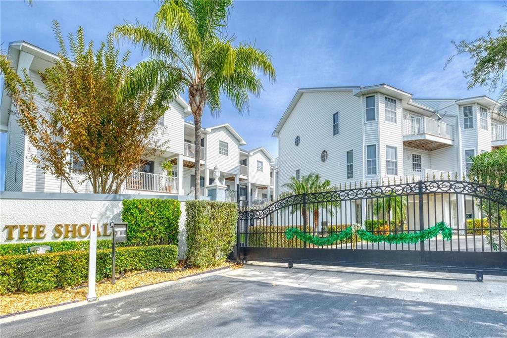 137 SHOALS CIRCLE Property Photo - NORTH REDINGTON BEACH, FL real estate listing