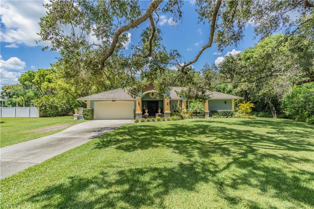 1712 HICKORY GATE DR Property Photo - DUNEDIN, FL real estate listing