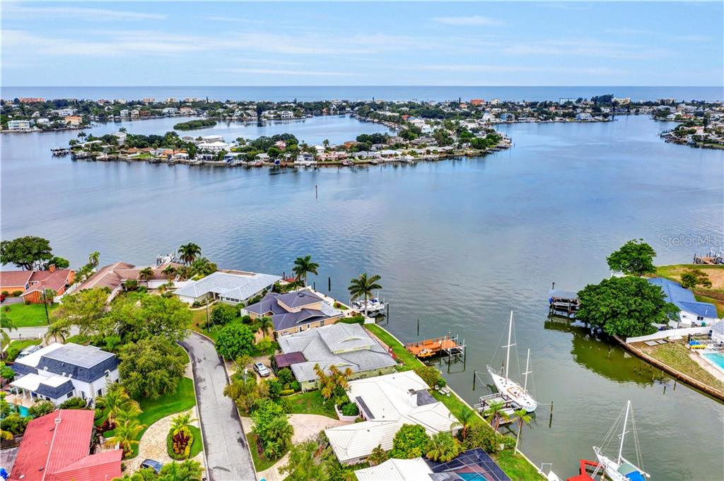 4469 CLEARWATER HARBOR DRIVE N Property Photo - LARGO, FL real estate listing
